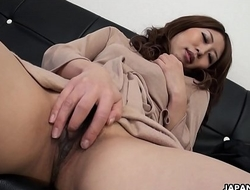 Solo act with a very cute Asian babe who'_s masturbating