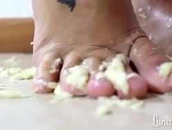 Crush Banana - Luna Feet