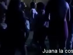 Chicas perrea la Coste&ntilde_a de Guerrero mexico bailando escandalosa hot