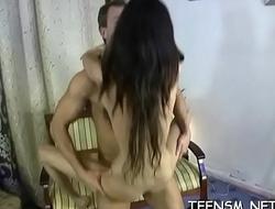Babe shows cool oral pleasure skills